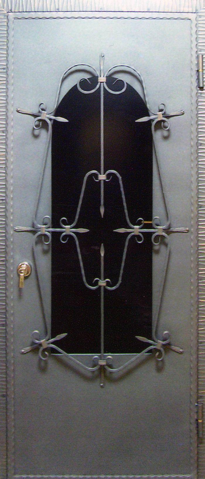 металлические двери с ковкой в бронницы
