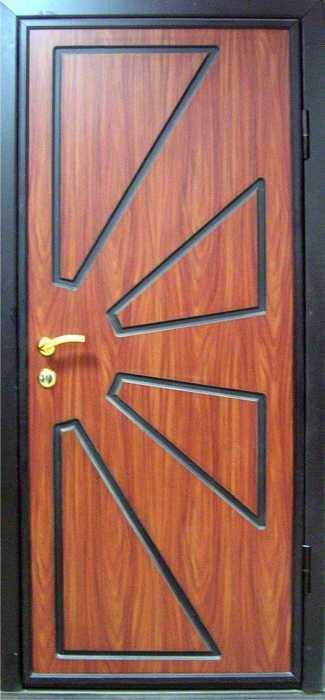 металлические двери с одним листом и внутренней отделкой из мдф